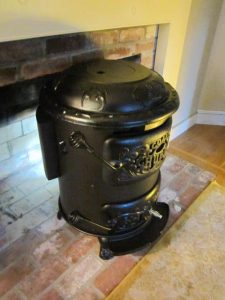 Chubby Stove with Rear Vent Blower